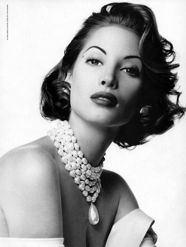 Anne Klein, 1992  Model: Christy Turlington: iconic style