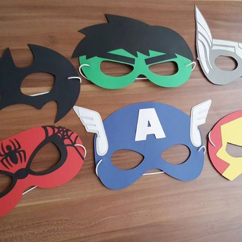 Máscaras de superhéroes  Hecho por Vanessa #batman #hulk #thor #spiderman #capitanamerica #ironman #theavengers #superheroes #artesanal #hechoamano #PuertoOrdaz #guayana