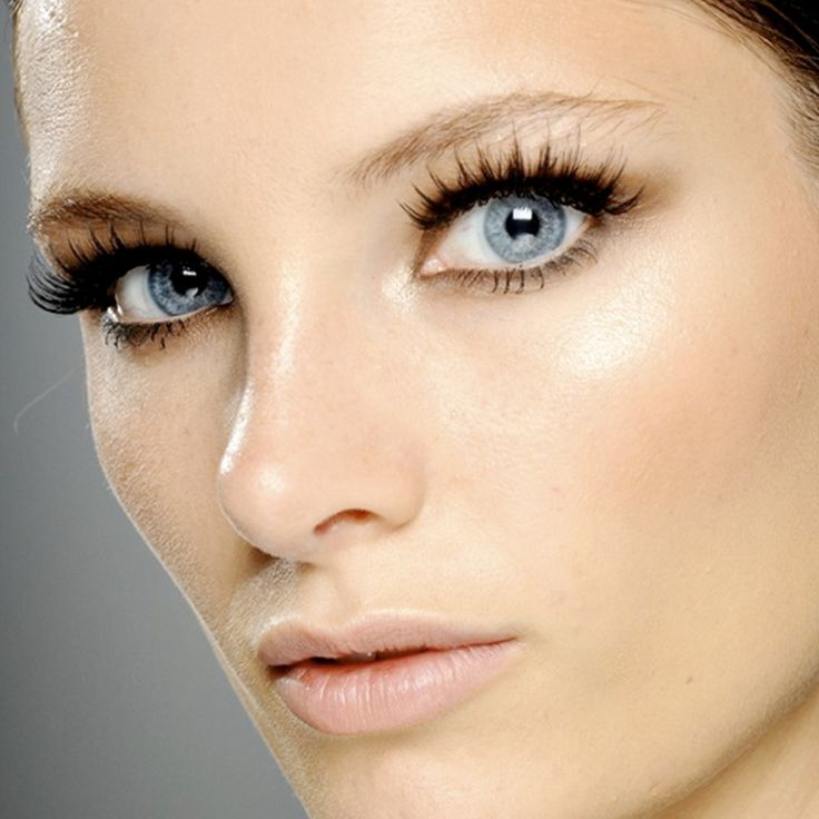 From extensions to keeping it natural, here's how to get great lashes.