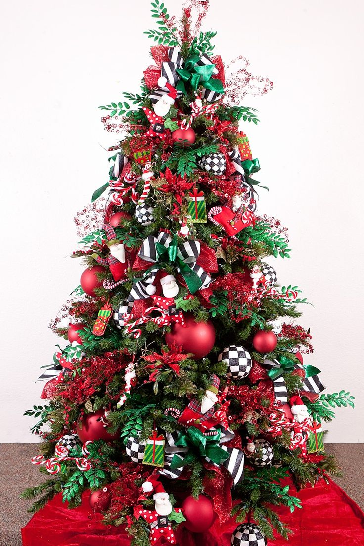 Christmas tree decorating ideas with mesh ribbon - Cool Design Ideas Awesome Traditional Red And Green Winter Whimsy Christmas Tree Decoration Ideas Adorned