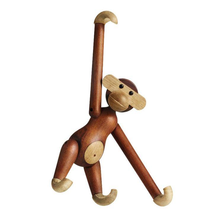KAY BOJESEN - Holzfigur Affe, 20cm| SCHÖNER WOHNEN-Shop Schenken Sie etwas, was ein Leben lang erhalten bleibt. Kay Bojesens Affe kam 1951 auf die Welt. Ein kleiner Junge mit einer großen Persönlichkeit, der zur Ikone als Präsent für eine ganz besondere Person geworden ist. Zur Taufe, als Schulabschlusspräsent oder zur Hochzeit. Ein Klassiker und treuer Freund, der einen das ganze Leben lang begleitet - vom Kinderzimmer aus wird er zur geliebten Designikone in der eigenen Wohnung.
