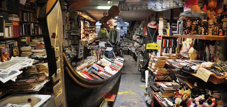 Una curiosa librería en Venecia - http://www.absolutitalia.com/una-curiosa-libreria-venecia/