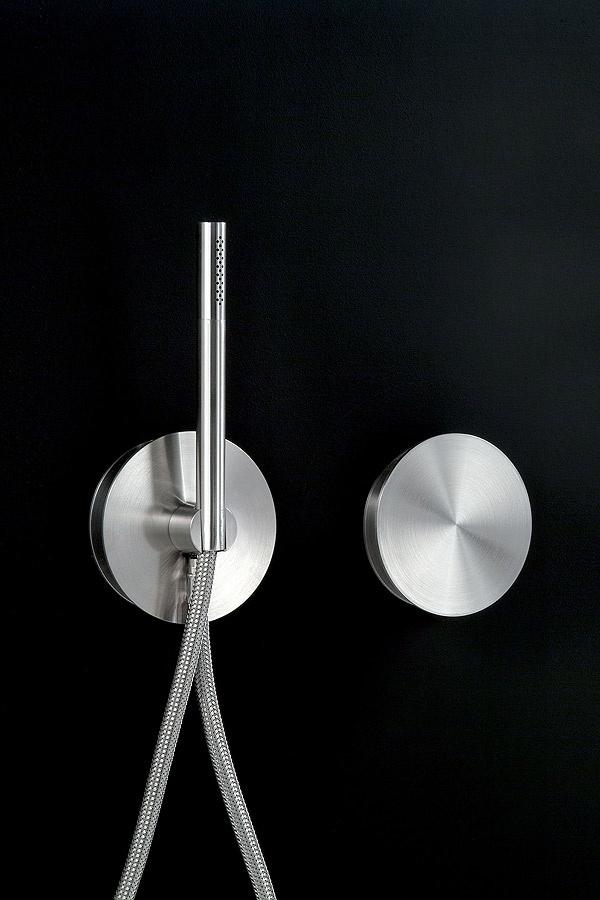 Circle Collection, bathroom fitting by Massimo Broglio for Cea Design_