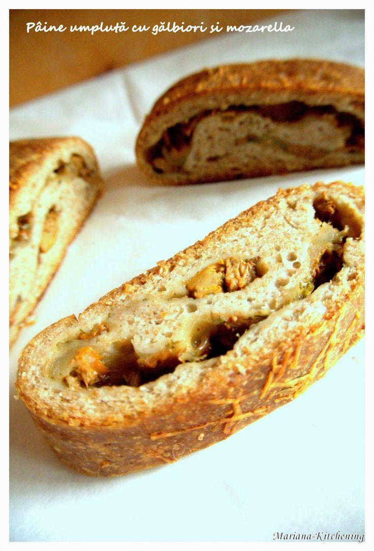 Kitchening: Pâine umplută cu gălbiori și mozarella/ Chanterelle&mozarella stromboli
