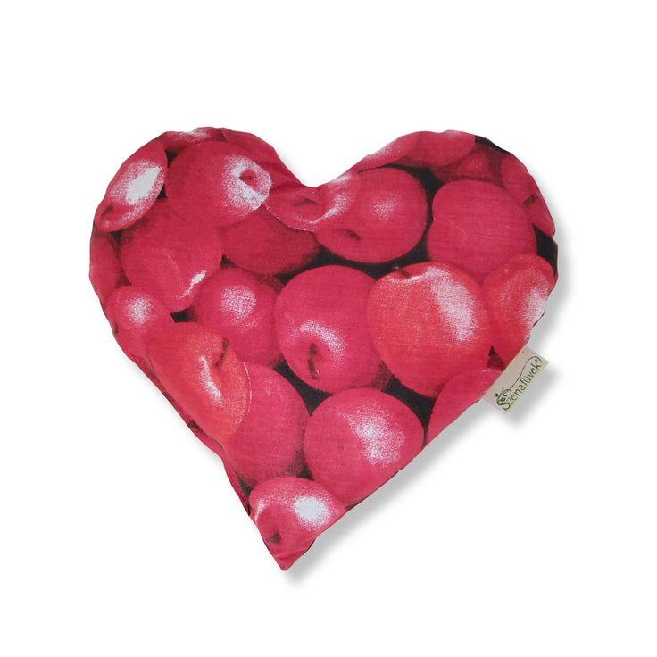 Szív alakú gyógynövényes alvó/pihenőpárna 4 féle gyógynövénnyel