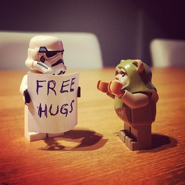 Free Hugs for everyone!! ❤️ #freehugs #lego #starwars #legostarwars #stormtrooper #ewok #hugs #love
