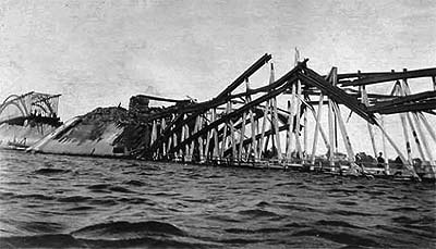Two spans of the Fredericton Highway Bridge were destroyed by fire in 1905.