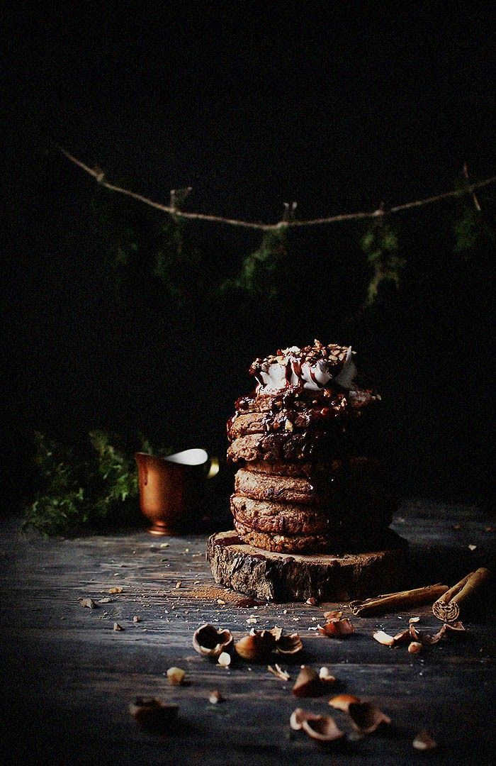 Food Photography / light blocking / dark / Cinnamon Hazelnut Oatmeal Pancakes