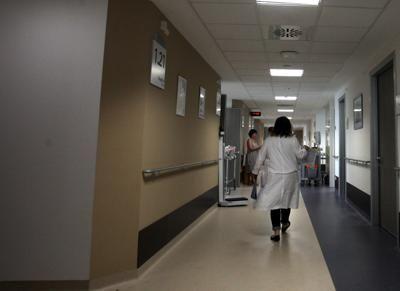 Il tumore alla prostata è oggi la forma più frequente di neoplasia tra gli uomini italiani, con 35 mila nuovi casi nel 2015. Ma un farmaco, abiraterone acetato, associato a prednisone, migliora la sopravvivenza globale di quasi un anno rispetto alla terapia con il solo prednisone, nei pazienti con tumore alla prostata metastatico in fase precoce e asintomatica della malattia. Un'analisi presentata al Congresso europeo di urologia in corso a Monaco, ha infatti evidenziato chela combinazione…