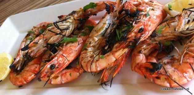 """Maak van je Koningsdag bbq een feest met dit recept voor super sappige """"King prawns"""" Super sappig omdat we de reuze garnalen vooraf met een marinade op basis van boter"""