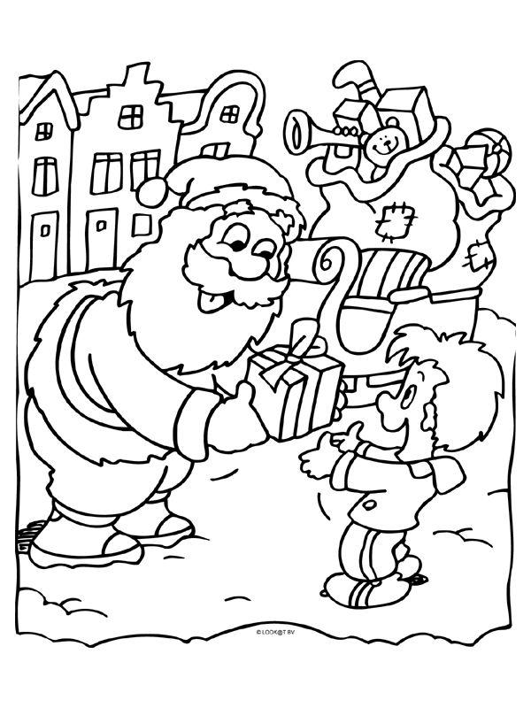 kleurplaat kerstman deelt cadeautjes uit kleurplaten
