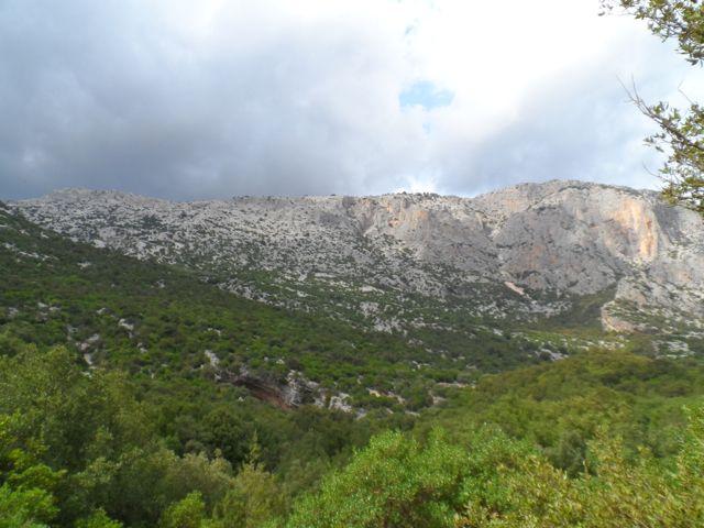 Supramonte, Valle di Lanaittu, Grotta Sa Oche - http://pecora-nera.eu/grotte-sa-ohe-stimme-des-wassers/
