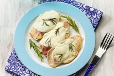 Le scaloppine di pollo alla valdostana sono un secondo piatto semplice, veloce da preparare ma davvero irresistibile! Ecco la ricetta