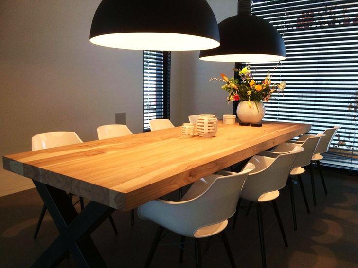 Lange eettafel 8 personen - Unieke Tafels op maat met staal, rvs en massief hout