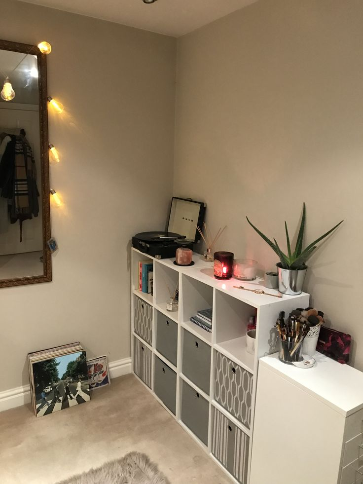 Bedroom overhaul - record player and storage units