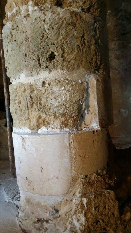 Torre di Malfatano. Sostituzione conci della colonna.
