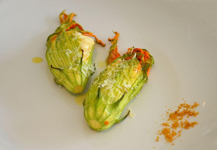 Fiori di zucca con ricotta e bottarga #ricettedisardegna #sardegna #sardinia #food #recipe #cucinasarda