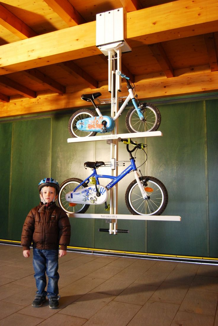 Ingenious bike system - Flat bike lift Or How to Park Your Bicycle On The Ceiling [Video]