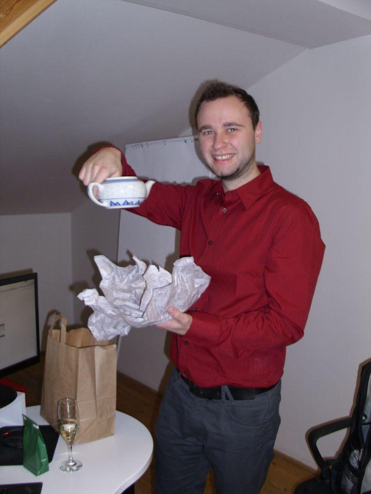 VŠECHNO NEJLEPŠÍ k narozeninám jsme popřáli našemu vývojáři Martinovi a samozřejmě nechyběly ani dárečky.