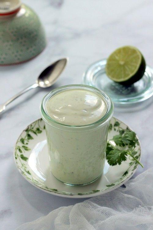 Korianderes-jalapenós salátaöntet recept