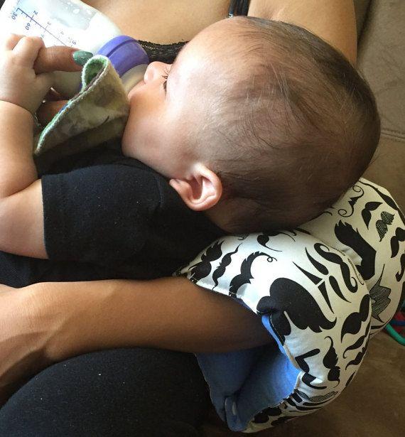 Almohada de lactancia de bigote / brazo almohada por CreationsbyOMG