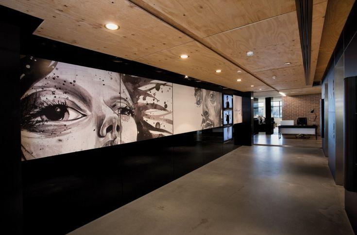 The Leo Burnett Office Entrance Corridor Interior Design