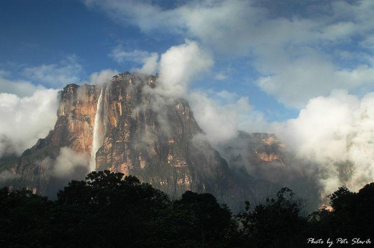 """Petr Slavík je ve Venezuele: """"Mějte fajn podzim a ať vám není šedivo! V prosinci na shledanou, viděnou nebo počtenou!"""""""