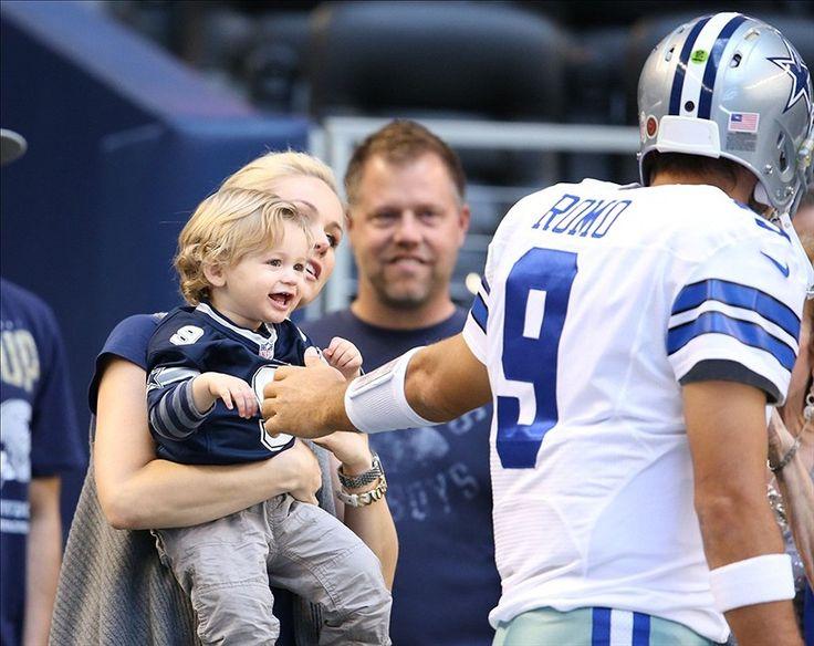 Mexican American Athlete. Tony Romo. Dallas Cowboys.