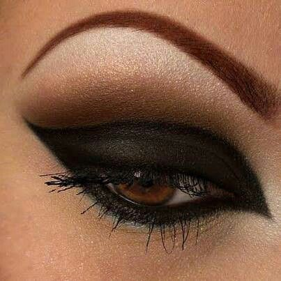 Perfect Black smokey eye for cat makeup Halloween