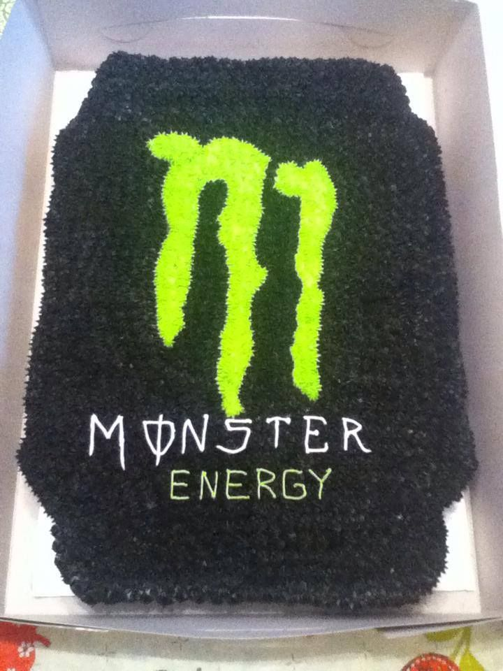 Monster Energy Drink cupcake cake
