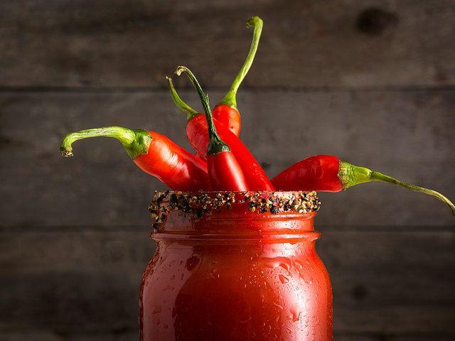 Некоторые любят погорячее: 5 рецептов с красным перцем