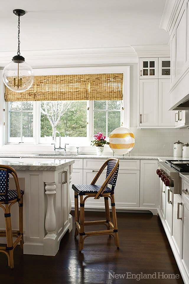 natural woven shade, white kitchen, bistrot stool
