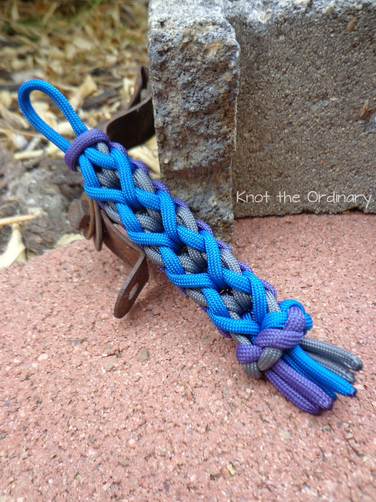 Zig zag paracord keychain enredados pinterest for Paracord keychain projects