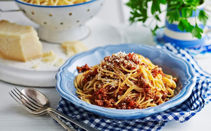 Julie Goodwin's 6-hour bolognese recipe - Thick, hearty and meaty, this delicious beef bolognese sauce goes perfectly with freshly cooked pasta. Julie cooks her meat for six hours for extra flavour and a wonderful texture.