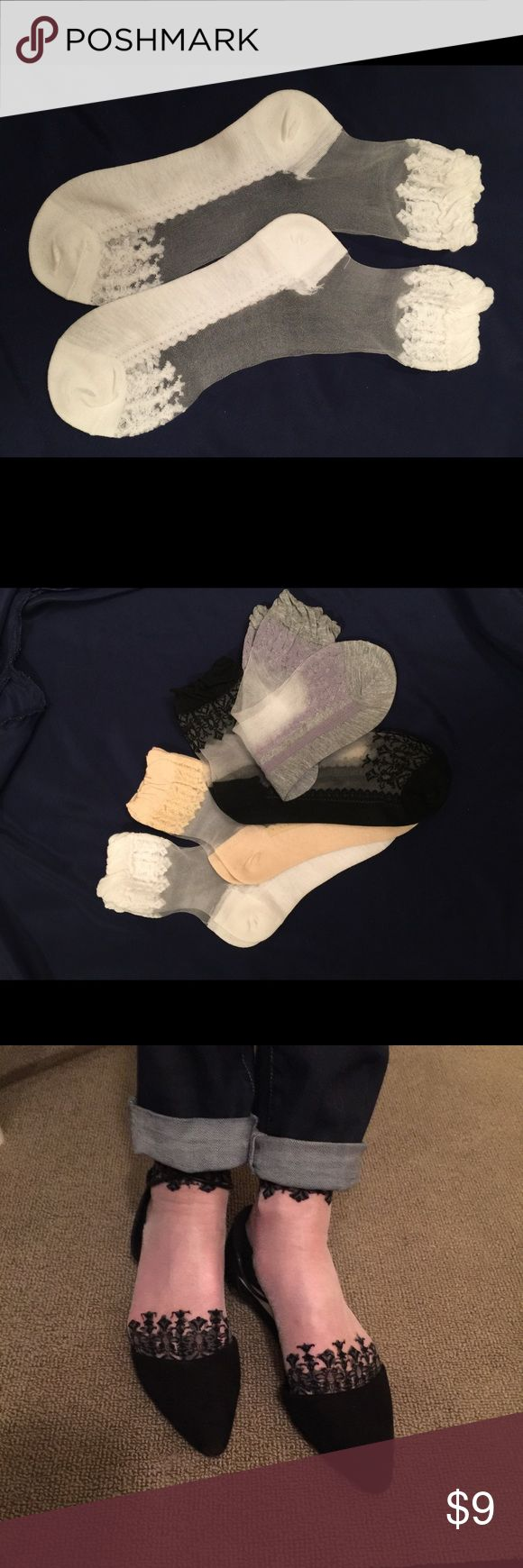 Elegant yet casual stockings for flats and bootys. NWT several colors avail. =black, white, cream, light blue, soft pink, soft lavender. Fits ladies shoes 5-8. Seasonal trend!!!!   Bundle to save!  Ask for specific color!!! 😊💕 Accessories Hosiery & Socks