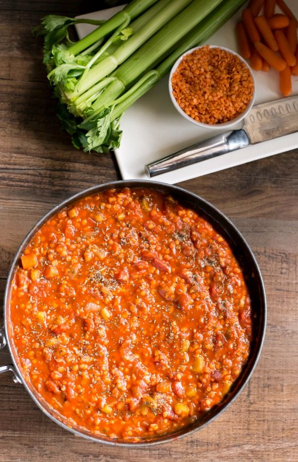 Lentil Bolognese Recipe - healthy, vegan dinner that the whole family will love! | http://www.ihearteating.Com | #healthy