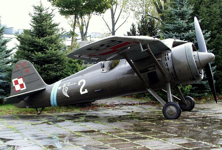 Polish PZL P-11c- WW2 Fighter plane - 390Km/h @5500m - Reach 805km