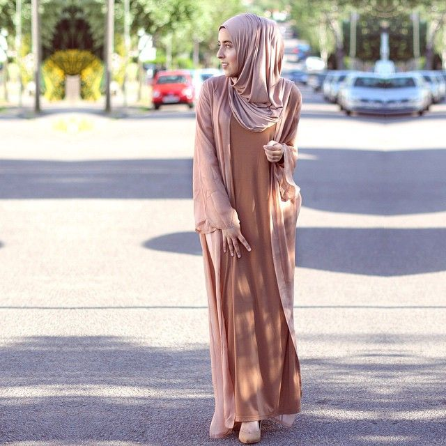The complete @inayahc look, perfect for eid  Warm mink maxi Jersey hijab  Cinnamon long tshirt  Pure silk blush kimono  www.inayahcollection.com #inayah