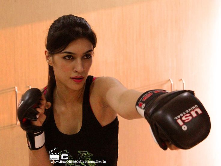Gorgeous Kriti Sanon learning Karate for Akshay Kumar's Singh Is Bling | BoxOfficeCollections