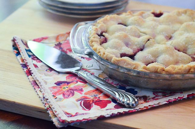 HOMEMADE CHERRY PIE  Going to the grocery store to get cherries now!