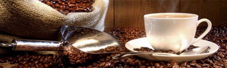 La mezcla de varios cafés de origen recibe la denominación inglesa de blend, para diferenciarlo del tradicional nombre de mezcla que, por lo general, hace referencia a la mixtura de café natural y café torrefacto. Todos los blend que ofrece Salzillo tea and coffee están compuestos por cafés de tueste natural, de la especie botánica arábica 100%.
