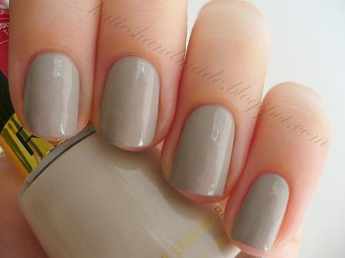 new favorite nail color! Smokey Canvas (Revlon)