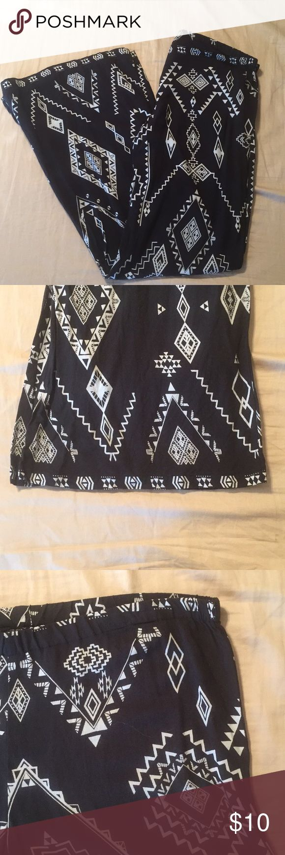 Aztec print pants Black & white Aztec print wide leg pants  100% Rayon, cottony feel Elastic waistband  Not true to size, runs small Billabong Pants Wide Leg