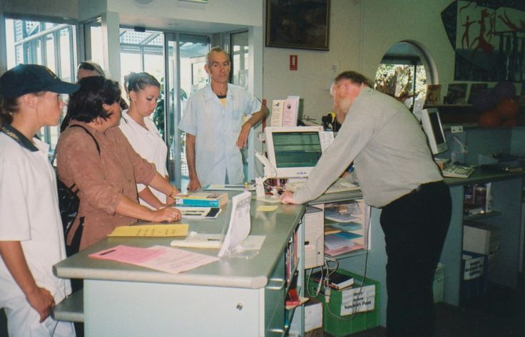Issues time at Kiama Library. c2000