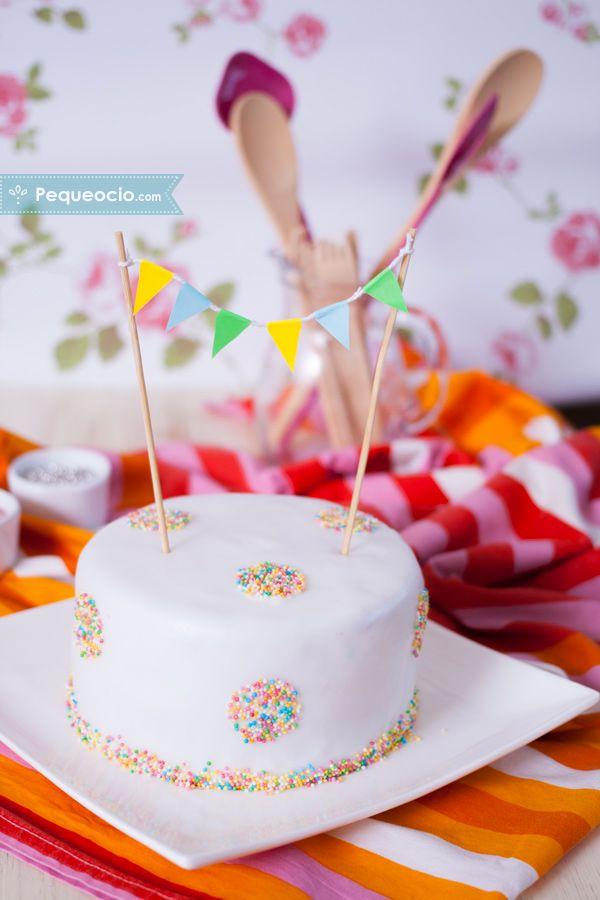 Tarta de cumpleaños casera ¡fácil y paso a paso! Anímate a preparar una tarta de cumpleaños espectacular. ALDI pone los ingredientes, ¡nosotros la creatividad! Cómo hacer una tarta de cumpleaños paso a paso.