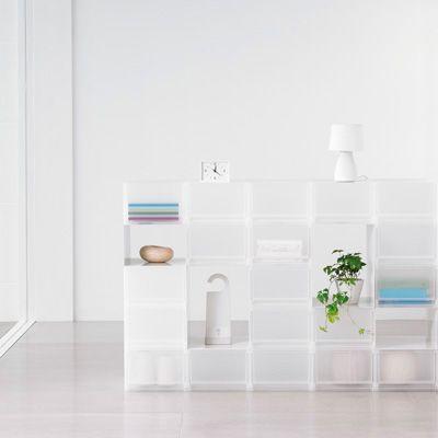 みなさんのお家の収納、満足していますか?雑誌などをチェックしていると理想の空間はあるけれど、なかなかマネできないのが現実。そんな方におすすめしたいのが、無印良品の収納ケース!大きさがほとんどそろっているので、ただ入れてしまうだけで、だれでもおしゃれで美しい収納の空間を作ることができますよ☆