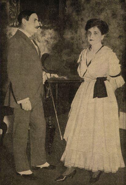 Tanay Frigyes (Trill báró) - Varsányi Irén (Cecile) a Kék róká-ban (1917) - Forrás: Színházi Élet