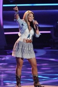 I ❤ Lauren Alaina's outfit! And hair!