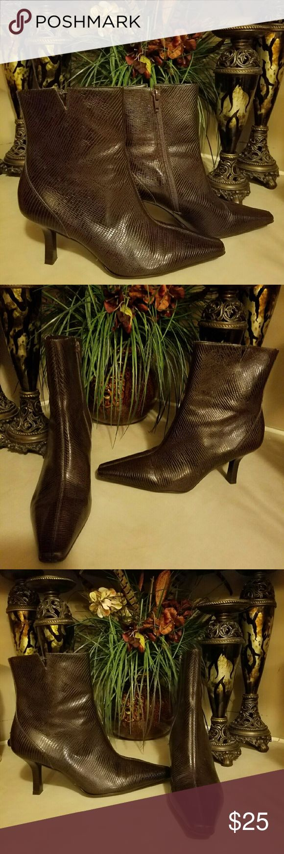 Gianni Bini Boots Gentle used pair of Gianni Bini Boots still in good condition Gianni Bini Shoes Heeled Boots