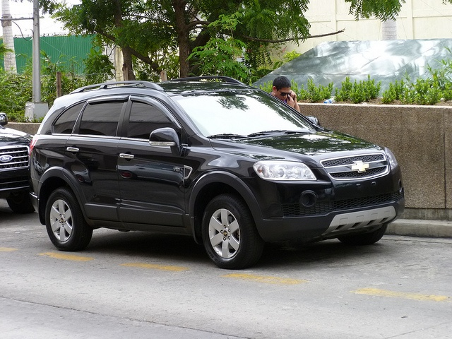 chevy captiva small suv